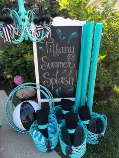 Zwem feestje in een thema, Tiffany Theme Pool Party {Glam Summer Splash! Splash Party, Teen Pool Parties, Summer Parties, Tiffany Theme, Tiffany Party, Pool Party Favors, Luau Party, Beach Party, Sommer Pool Party