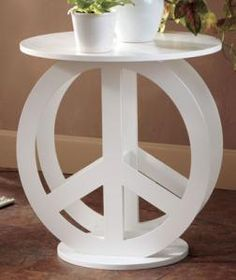 Cool peace sign table
