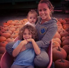 Kendra Wilkinson Reveals  Baby Daughter