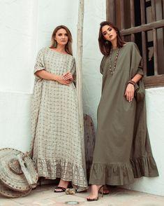 Modesty Fashion, Abaya Fashion, Fashion Dresses, Dress Outfits, Steampunk Fashion, Gothic Fashion, Mode Abaya, Mode Hijab, Iranian Women Fashion