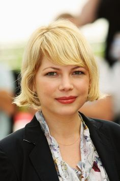 Actress Michelle Williams' Short Hairstyles: A Slideshow: Michelle Williams in 2008 at the Cannes Film Festival Short Hair Updo, Short Hairstyles For Women, Short Hair Styles, Michelle Williams Hair, Bob Haircut With Bangs, Bob Haircuts, Long Bob, Great Hair, Hair Trends