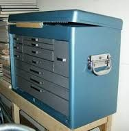 This tool box/chest was a filthy and rusty mess. This is a great restoration. - This tool box/chest was a filthy and rusty mess. This is a great restoration… the finish is a Ru - Garage Tools, Garage Storage, Tool Storage, Locker Storage, Garage Ideas, Old Tool Boxes, Metal Tool Box, Mechanic Tool Box, Machinist Tools