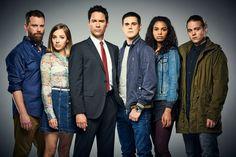 Travelers Netflix Series Cast Image 1 (7)