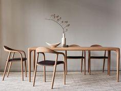 Latus Dining Table - Curious Grace for dining table Oak Dining Chairs, Extendable Dining Table, Dining Table Chairs, Esstisch Design, Dining Room Inspiration, Dining Room Design, Furniture Design, House Design, Interior Design