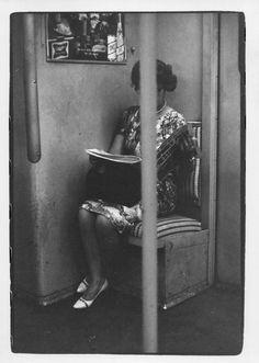 new york woman reading on subway 1966 - William Gedney