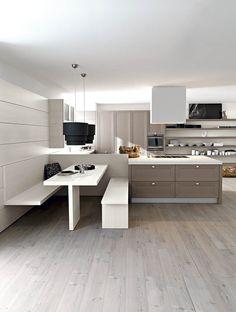 Un tavolo una panca sospesa e una panca la cucina - Cucine con panca ...