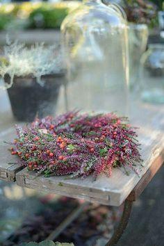 Autumn wreath from Zetas Deco Floral, Autumn Wreaths, Plum Purple, How To Make Wreaths, How To Dry Basil, Flower Power, Christmas Time, Fall Decor, Flower Arrangements
