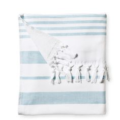 Serena & Lily Fouta Beach Towel ($12) ❤ liked on Polyvore featuring home, bed & bath, bath, beach towels, accessories, serena & lily, stripe beach towel and striped beach towels