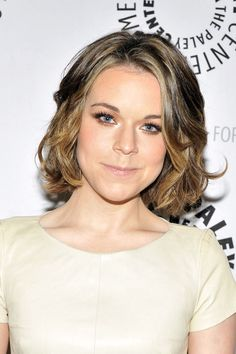 Tina Majorino Hair...i would love to be able to fight through and grow my hair out and do this. I love it.