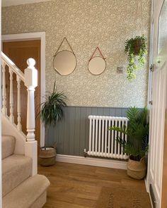 Hallway Decorating, William Morris, Porch Swing, Outdoor Furniture, Outdoor Decor, Interiors, Living Room, Instagram Posts, Wednesday