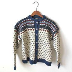 Lykkeliten Hand Knitted Sweaters, Knit Cardigan, Norway, Hand Knitting, High Fashion, Cardigans, My Style, Clothing, Closet