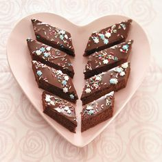 Mokkapalat Something Sweet, White Chocolate, Macarons, Fudge, Good Food, Brunch, Pudding, Cupcakes, Treats