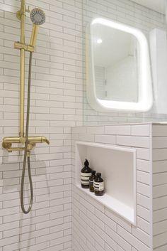 옥수동 래미안 옥수리버젠 24평 인테리어 by 샐러드보울디자인 : 네이버 블로그 Dream House Interior, Washroom, Decoration, Toilet, Bathtub, Shower, Simple, Furniture, Design