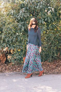 chunky sweater with maxi skirt and heels. Not a combinations I would have thought of myself, but I like it