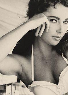 elizabeth taylor http://media-cache3.pinterest.com/upload/14144186299811751_uMNOcOgg_f.jpg caraheld people i admire