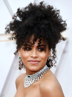 13 Must-See Beauty Looks From the 2020 Oscars Red Carpet — Zazie Beetz Modern Updo, Matte Red Lips, Zazie Beetz, Subtle Ombre, Bold Brows, Platinum Hair, Moroccan Oil, Nude Lip, Celebrity Beauty