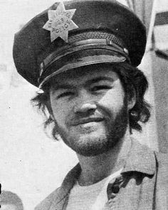 Dolenz - If I was alive and legal in 1967...    My absolute childhood hero. Thanks to a horrendously teenyboppin family of the 60's.   STILL love him. x