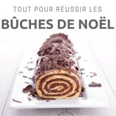 Ne ratez plus jamais vos bûches de Noël ! Chocolate Cake Recipe Easy, Chocolate Recipes, Vegan Kitchen, Kitchen Recipes, French Sweets, Cake Roll Recipes, Compote Recipe, Delicious Deserts, Christmas Cooking