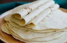 Homemade tortillas look yummy and not too hard. We like tortillas, and I hope to try this soon! Wish I had a food processor though. Recipes With Flour Tortillas, Homemade Flour Tortillas, I Love Food, Good Food, Yummy Food, Bread Recipes, Cooking Recipes, Tortilla Recipes, Cooking Tips