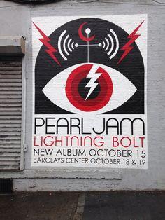 Pearl Jam: lightening bolt