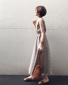 人気のプチプラブランドのアイテムで、秋らしいトレンドコーデを始めてみませんか?titivate、Re:EDIT、fifthのアイテムから厳選♡大人の女性にぴったりな、プチプラ新作アイテムをたっぷりとお届けします。 Simple Style, My Style, Tokyo Street Style, Minimalist Fashion, Spring Summer Fashion, Short Hair Styles, Casual Outfits, Fashion Looks, Stylish
