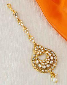 Maang Tikka Kundan, Maang Tikka Design, Tikka Designs, Tika Jewelry, Jewelry Art, Fashion Jewelry, Rajasthani Bride, Mang Tikka, Cool Costumes