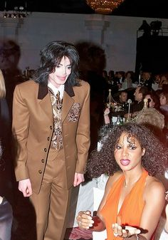 Michael and singer Toni Braxton at the Carousel of Hope Ball at the Beverly Hilton Hotel, Beverly Hills October 28 2000 Jackson Family, Jackson 5, Facts About Michael Jackson, Rock And Roll, Interview, Prom Queens, Toni Braxton, The Jacksons, Female Singers
