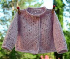 layette gilet 3-6 mois en point ajouré neuf tricoté main : Mode Bébé par com3pom