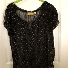 Vera Wang Sheer Blouse Sheer black blouse with peach/pink hearts. Has a small tie in the front for decoration. Lightly worn. Princess Vera Wang Tops Blouses