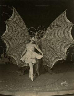 Actresses, dancers and Ziegfeld Girls, Rose Dolores and Mary Eaton.1921.  #actress #dancer #ziegfeldgirl #1920