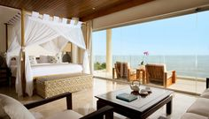 Luxury Hotel & Private Beach Villa Resort for Bali Vacation
