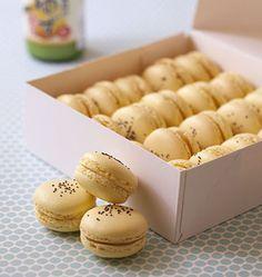 Macarons au jus de yuzu (citron cedrat) - les meilleures recettes de cuisine d'Ôdélices  http://www.odelices.com/recette/macarons-au-jus-de-yuzu-citron-cedrat-r2577