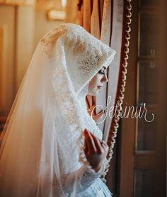 Muslim Wedding Dresses, Muslim Brides, White Wedding Dresses, Dress Wedding, Bridal Hijab, Wedding Hijab, Bridal Gowns, Oriental Dress, Marriage Dress