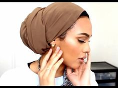 Turban tutorial * Low Bun * as desired! :) Turban tutorial * Low Bun * like … – Scarf Ideas 2020 Turban Mode, Turban Hijab, Hair Turban, Turban Tutorial, Hijab Tutorial, Head Wrap Tutorial, Hair Wrap Scarf, Head Scarf Styles, African Head Wraps