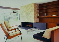 """""""The Singleton House"""" arrives back on market after some time away. The former home of Vidal Sassoon and wife Ronnie is a fine example of Richard Neutra, FAIA. Mid Century Modern Living Room, Mid Century House, Faia, Contemporary Style Homes, Modern Homes, Fireplace Design, Fireplace Ideas, Brick Fireplace, Corner Fireplaces"""