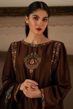 Women S Fashion Kotara Key: 5336709864 Embroidery Suits Punjabi, Embroidery Suits Design, Embroidery Fashion, Outfit Essentials, Pakistani Wedding Outfits, Pakistani Dresses, Indian Dresses, Kurta Designs, Blouse Designs