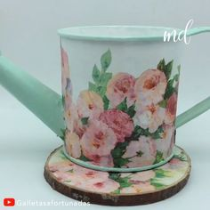 DIY JUG DECORATION - How to decorate a jug beautifully! By: Galletasafortunadas Best Picture For diy face mask sewing p - Tin Can Crafts, Diy Home Crafts, Jar Crafts, Bottle Crafts, Creative Crafts, Napkin Decoupage, Decoupage Vintage, Decoupage Box, Tea Room Decor