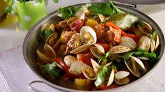 Receita de Cataplana de carne. Descubra como cozinhar a receita de cataplana de carne de maneira prática e deliciosa com a TeleCulinária!