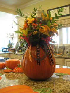 love this fall vase idea