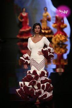 Simof 2018 - Rosapeula Flamenco Dancers, Flamenco Dresses, Gypsy Women, Spanish Dancer, People Art, Editorial Photography, Wearable Art, Editorial Fashion, Cute Dresses