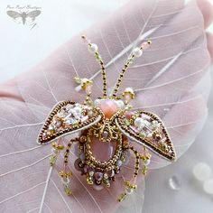 Feminine jewelry Beetle Brooch Insect jewelry door PurePearlBoutique
