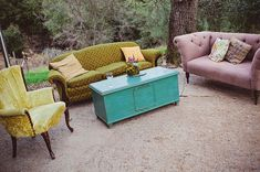 Life of a Vintage Lover: A Woodsy Bohemian Union Hill Inn Wedding Mismatched Furniture, Vintage Furniture, Outdoor Furniture Sets, Wedding Furniture, Lounge Furniture, Outdoor Lounge, Outdoor Seating, Outdoor Decor, Outdoor Living