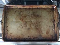 Bageren afslører sit bedste trick til at rengøre bageplader