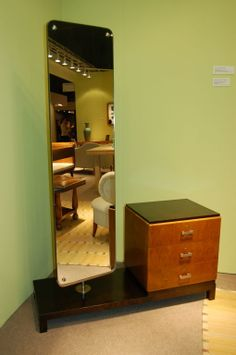 67 Ideas modern wood furniture design consoles for 2019 Modern Wood Furniture, Furniture Design, Bedroom Furniture, Diy Furniture, Modern Chairs, Dressing Table Design, Dressing Tables, Bedroom Dressing Table, Dressing Rooms