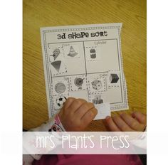 Mrs. Plants Press: 3D Shapes {Freebie}