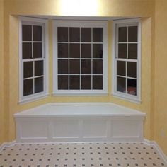 "Build a Window Seat With Storage: What's a bay window without a window seat? An unfinished and underutilized space waiting to be transformed! Building a window seat is a basic ""build-in"" project and here's how you can do it. Window Seat Storage, Living Room Design Diy, House Design, Diy Window, Bay Window Seat, Living Room Diy, Living Room Designs, Windows, House Flooring"