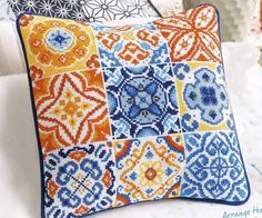 Pinterest Cross Stitch, Embroidery Patterns, Cross Stitch Patterns, Cross Stitch Cushion, Arabic Pattern, Cross Stitch Collection, Cross Stitch Bookmarks, Quilting Room, Modern Cross Stitch