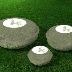 Des cercueils 100% écologiques pour animaux : c'est l'étonnante et excellente idée qu'a développée un studio de design français.Cette société, baptisée Hurluberlu, a conçu des cercueils en papier mâché, entièrement biodégradables qui en plus donnent naissance à un arbre!
