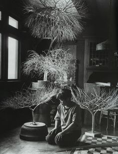 Ruth Asawa in contemplation. So real. So full of true texture.