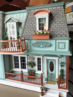 My Miniature Madness: Summer In New Orleans - Doll Houses Dollhouse Kits, Wooden Dollhouse, Dollhouse Miniatures, Victorian Dollhouse Furniture, Victorian Dolls, Miniature Houses, Miniature Dolls, Doll House Plans, Red And White Flowers